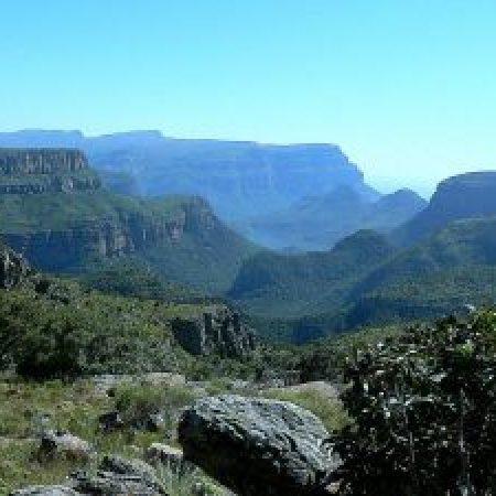 Blyde-River-Canyon-Dam-2-300x225