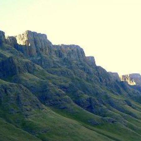 Drakensberg-Mountains-