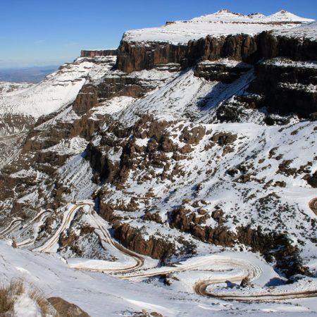 Sani-Pass-2008-snow-153